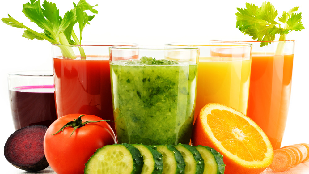 fruit and vegetable juices with accompanying produce