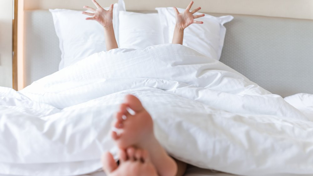 Surprising things that happen when you start sleeping naked