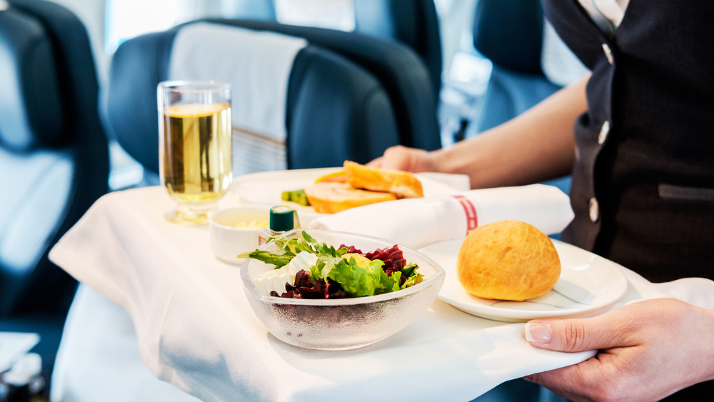 The real reason you should always drink ginger ale on a plane