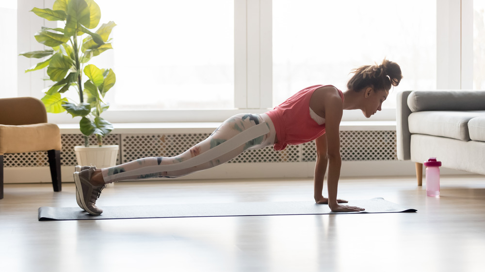 What you need to do if push-ups hurt your wrists